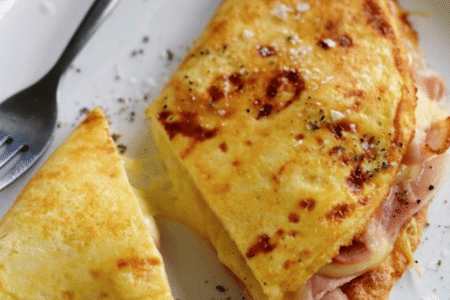 omelette au jambon et aux champignons