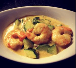 Courgettes aux crevettes, curry et lait de coco