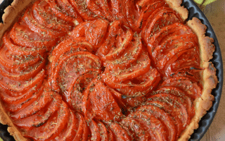 Tarte tomates, miel et amandes